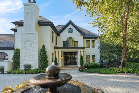Atlanta Real Estate Blog Two Leading Berkshire Hathaway Homeservices Realtors Complete Sale Of 7 75 Luxury Listing Representing Sellers And Buyers Atlanta Real Estate Blog
